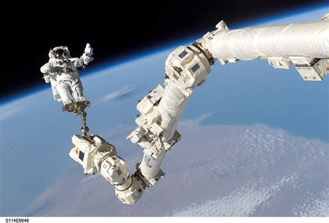 SERIOUS WONDER | LIVE HD streaming from SPACE! You gotta