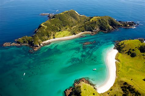 Scenic Flights Bay of Islands, Hole in the Rock & Cape Reinga