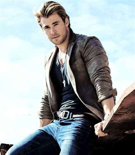 Chris Hemsworth Birthday, Real Name, Family, Age, Weight