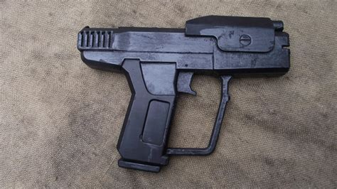 HALO pistol | Shoot and Scoot