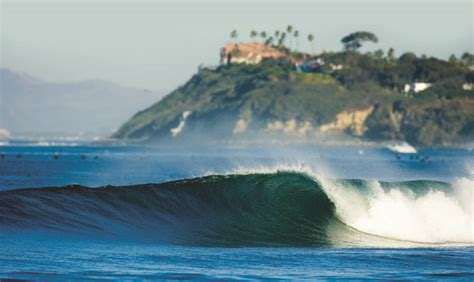 Top 7 Amazing Surf Spots for Beginners | Travels And Living